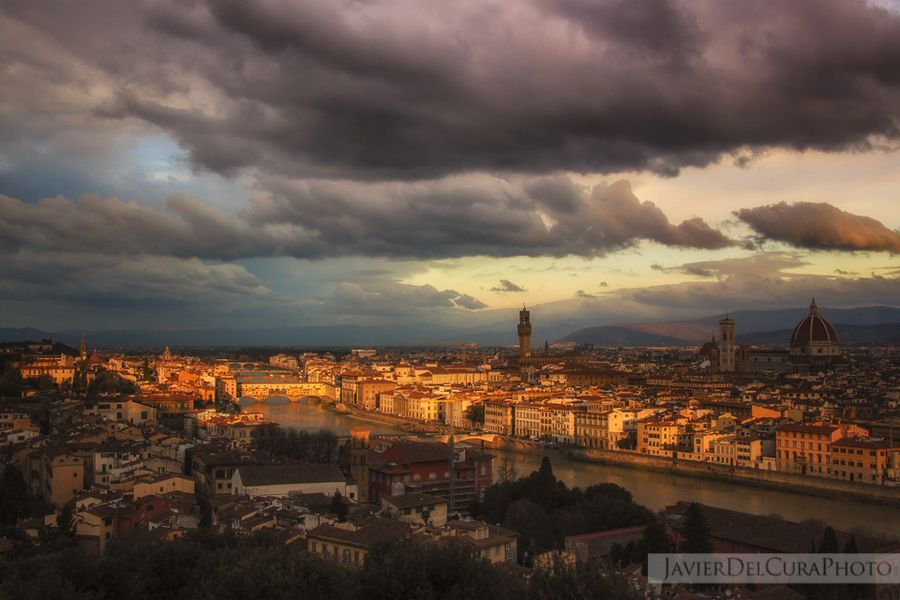 "Florence, Italy // ""First sunbeams "" by Javier del Cura, via 500px."