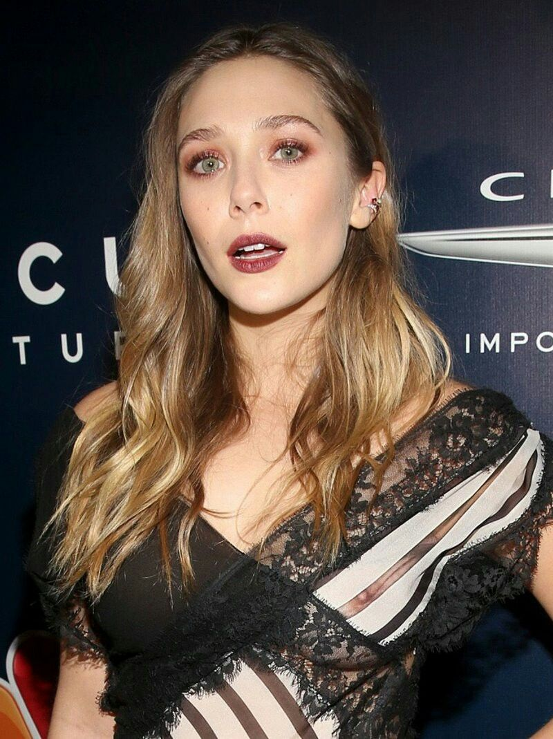 Celebrity Elizabeth Olsen naked (85 photo), Tits, Sideboobs, Boobs, braless 2006