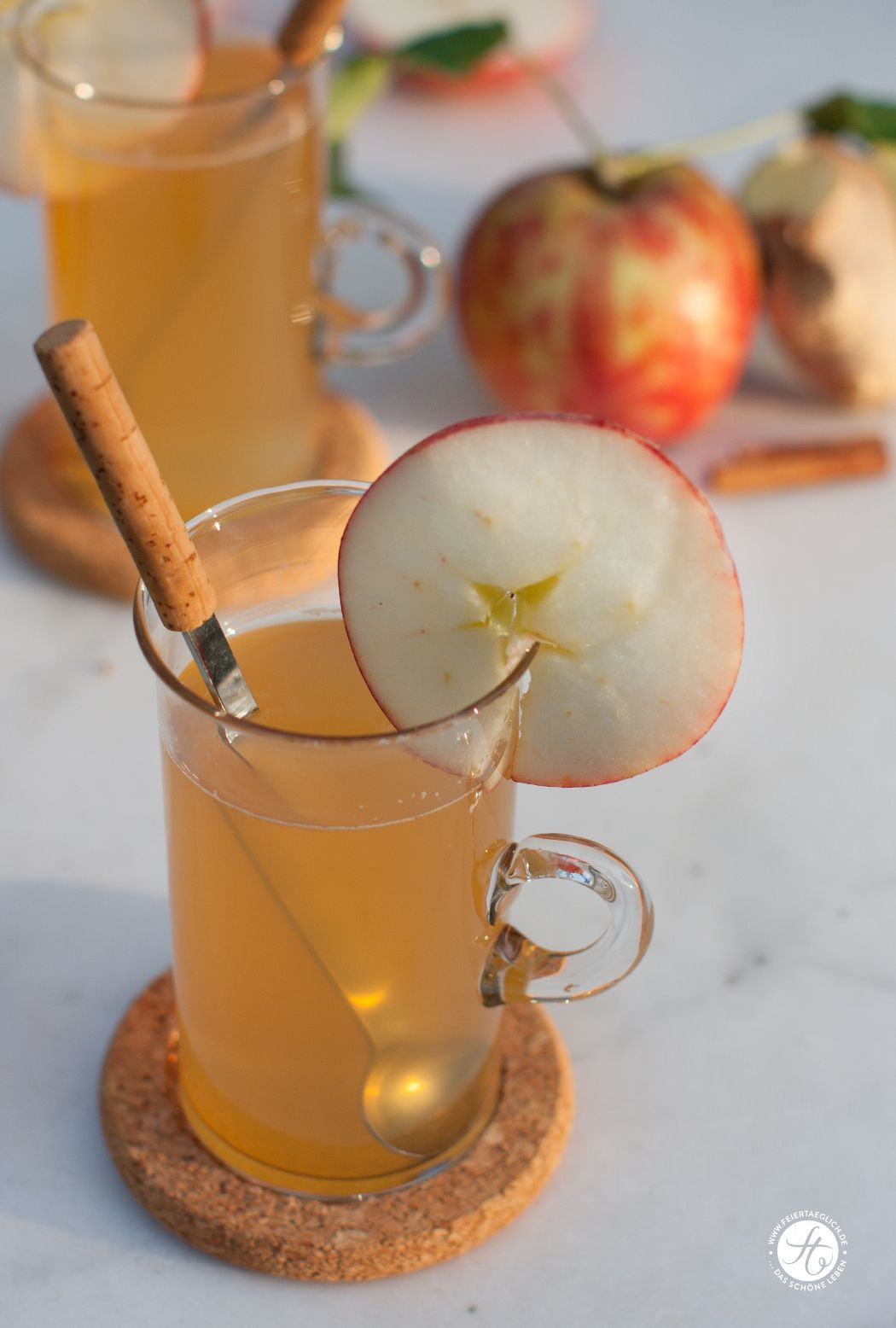Superfoodsamstag Mit Einem Rezept Fur Ingwer Apfel Zimt Tee Von Feiertaeglich De Rezepte Veganer Smoothie Apfel