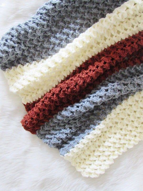 Free crochet afghan pattern with a beautiful texture Do you love crochet blanket patterns that are quick to work up? Then you will love this 3D stitch afghan. The tutorial is easy enough for beginners and has a video tutorial for the stitch used.