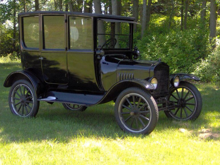 1922 Ford Model T Center Door Sedan Ford Models Old Classic Cars Ford