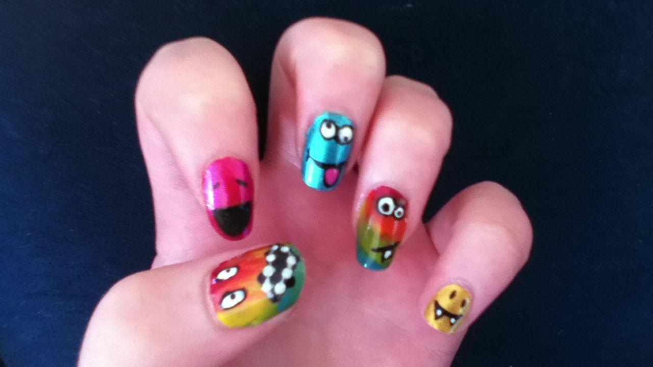 Smily face nails   Hair & Nails   Pinterest