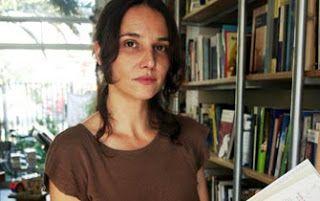 Aline Kuppenheim entre coca y marionetas   Actriz Chilena