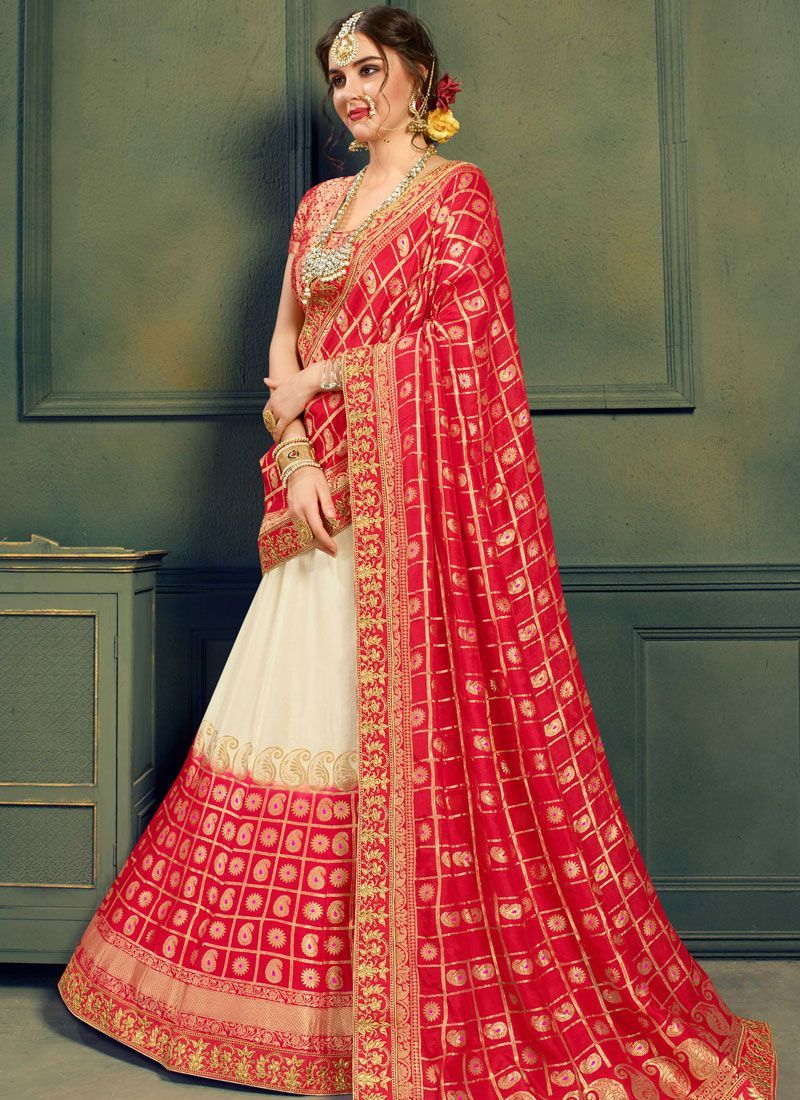 7876477d3f White and red color silk Indian wedding lehenga choli 608 in 2019 ...