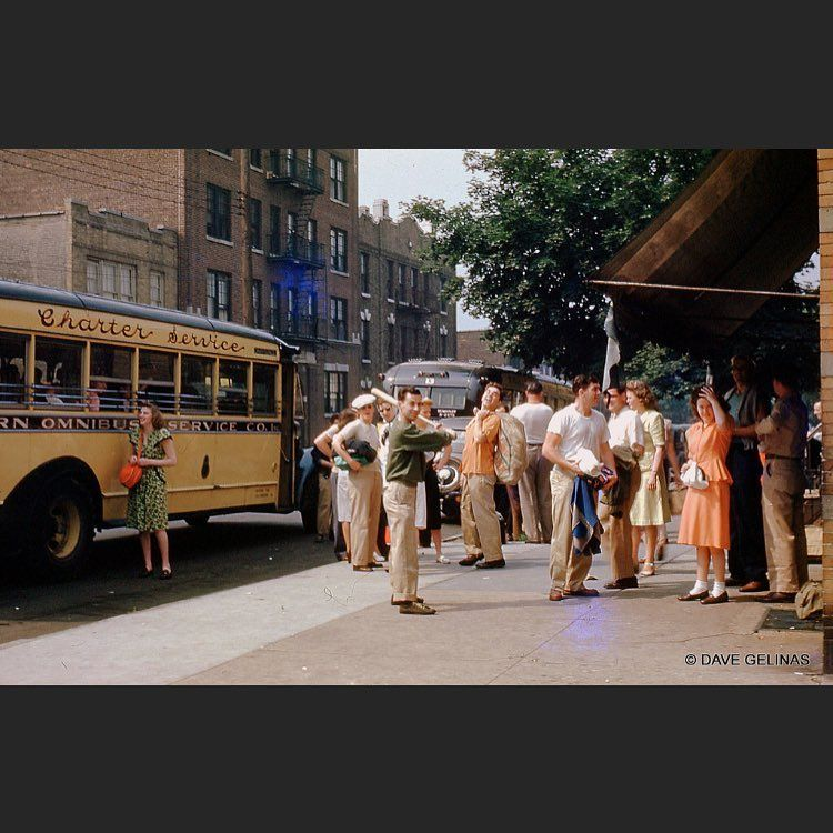Astoria circa 1940s (colorized) These fabulous photos, were taken by 35mm Kodachrome film from Dave Gelinas's collection. #nycphotography #ny #theghostofqueenspast #newyorkcity #astoria #astoriaqueens #oldnyc #oldnycphoto #queens #queensny #queensnyc #igersofnyc #igersofny #nyc #nyc🗽