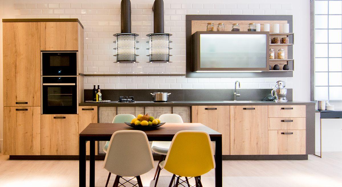 Una Cocina De Estilo Industrial Con Muebles Y Encimera Laminada  # Muebles Caon Canada De Gomez