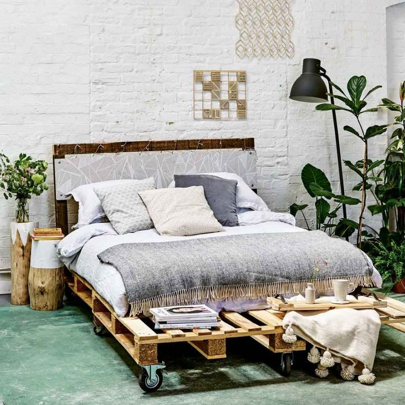 34 Creative Ways In Turning Pallets Into Unique Pieces Of Home Furniture Bed Frame Design Pallet Bed Furniture