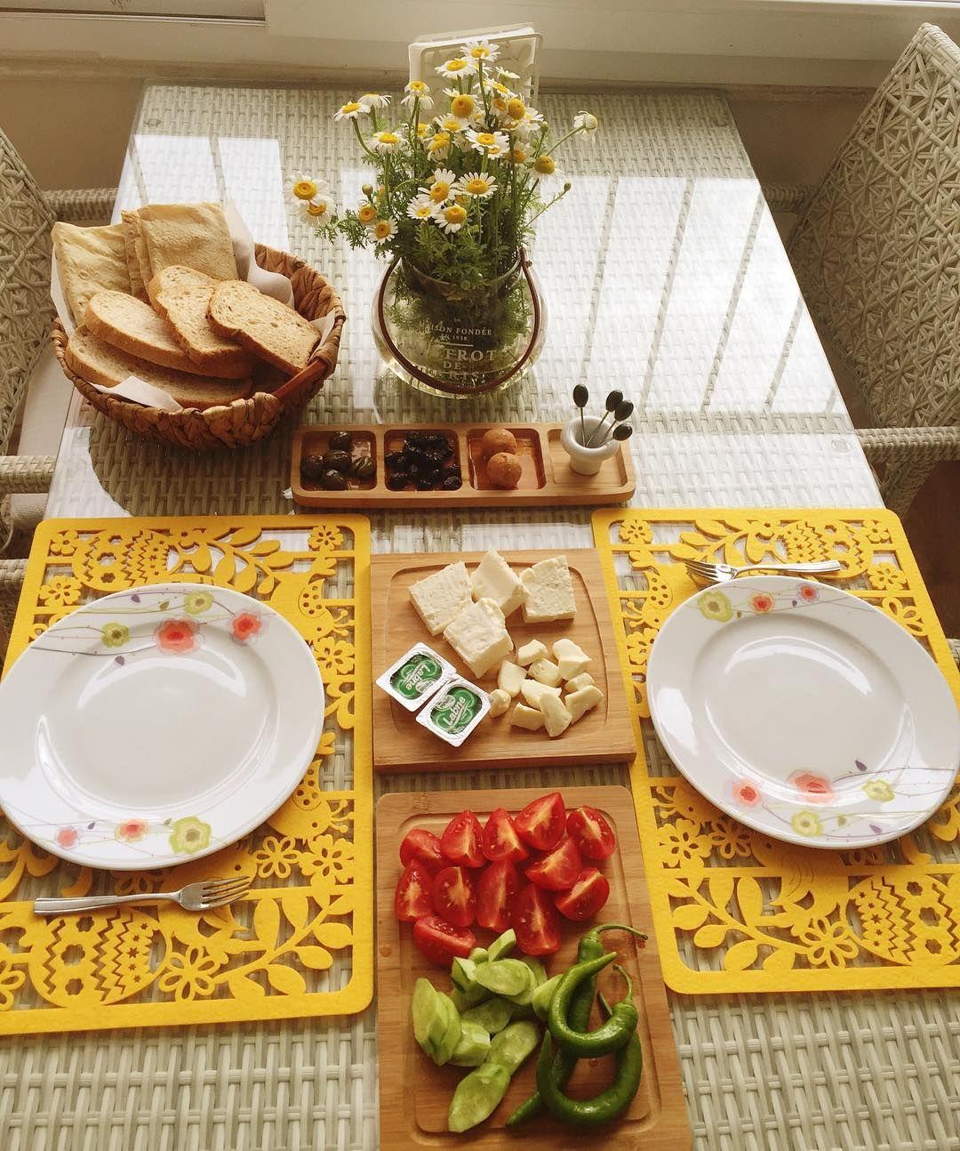 Mutlu pazarlar #happysunday #daisy #home#homedesign#design#homestyle#dekorasyon#evdekor#interiør#interior#inspirasjon#interior123#interior4you#instainterior#interiorforinspo#interiormagasinet#ikea#iskandinav#nordicdesign#white#scandic#homedecor#homesweethome#mutluyumçünkü by aycaerkam http://discoverdmci.com
