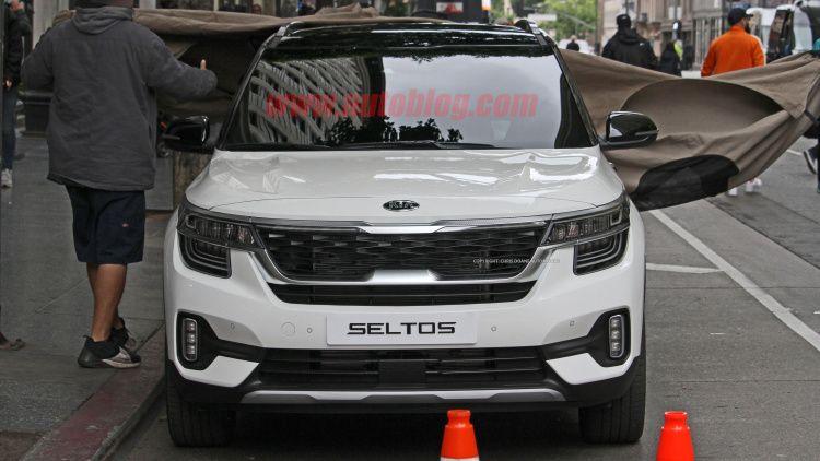 2020 Kia Seltos Photo Gallery In 2020 New Hyundai Kia Compact Crossover