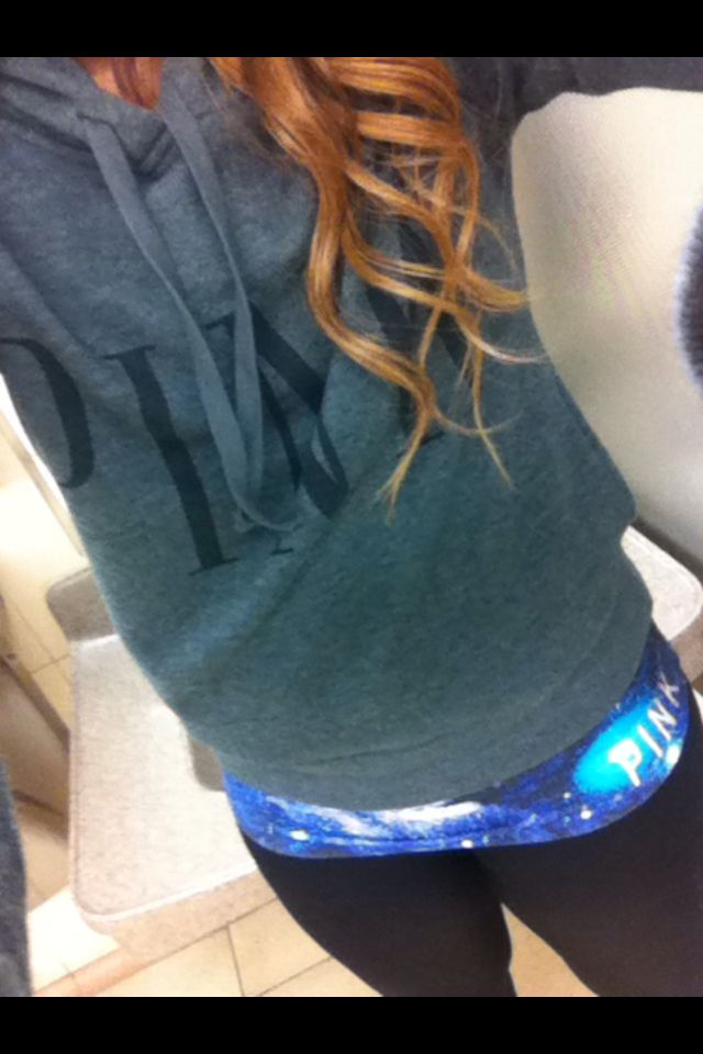 Ideal lazy days! Victoria secret:sweater/yoga pants and day old loose curls!<3