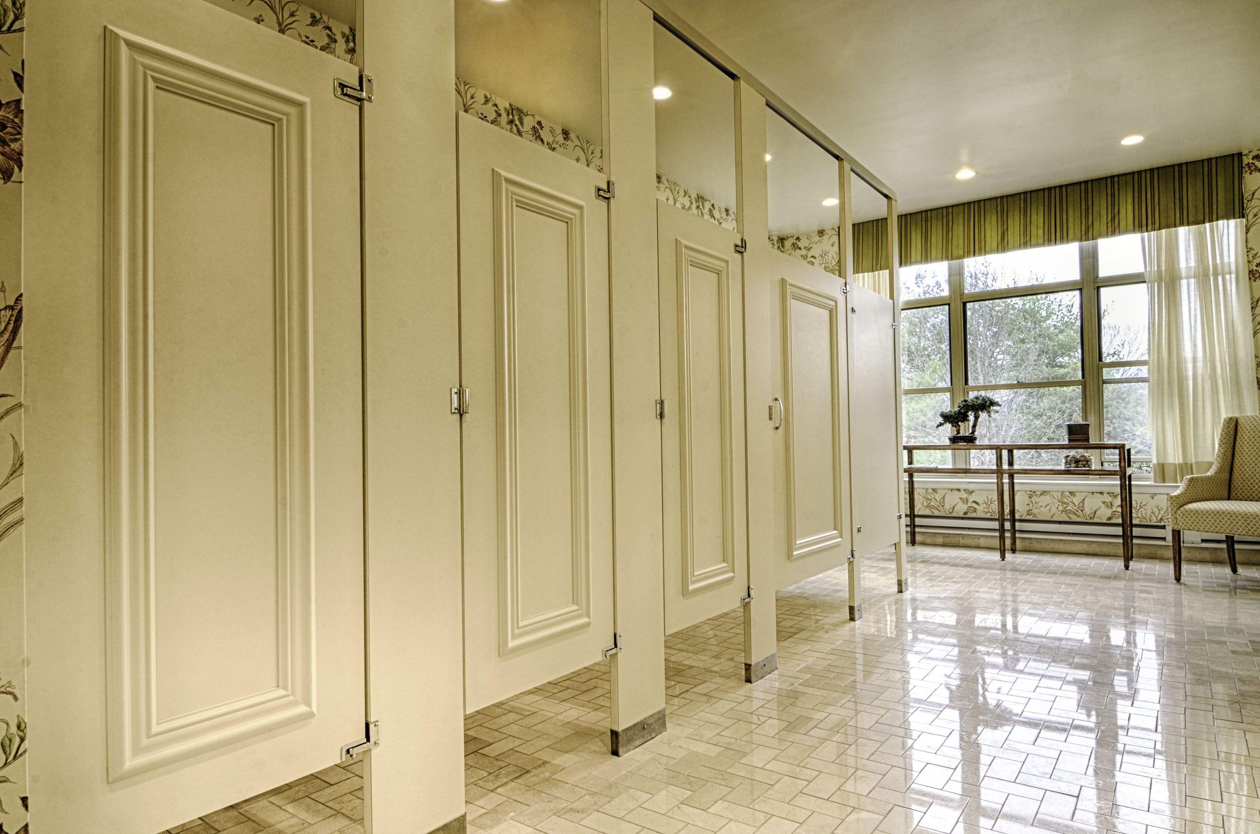 Ironwood Manufacturing Laminate Toilet Partitions And Bathroom Doors - Plastic laminate bathroom partitions
