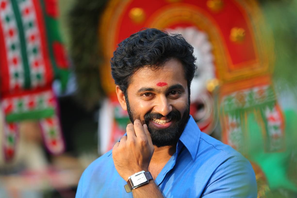 unni mukundan family photos