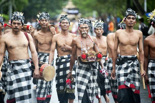 A month of art performances in Bali | Bali, Indonesian clothing, Art  festival