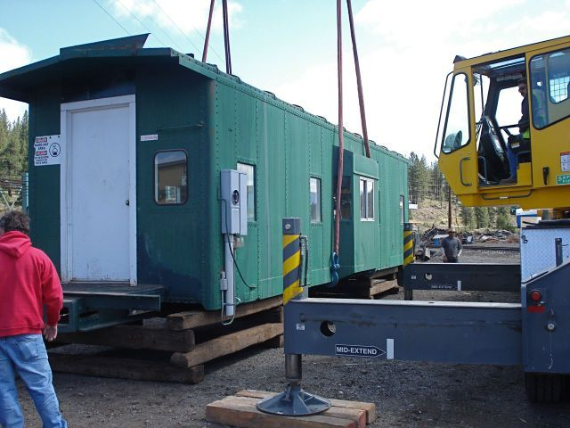 How to move a caboose - Crane lifting   Railcar and Caboose