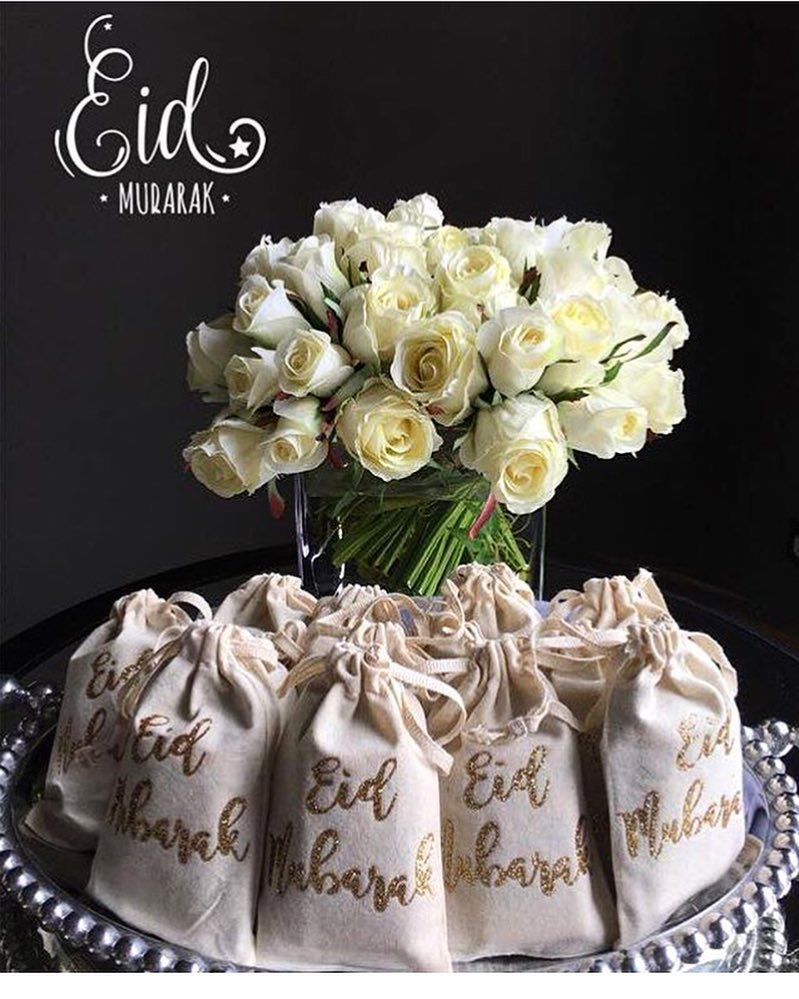 Our Eid Mubarak favour bags are back! Can be customized to read hajj Mubarak as well. Love this style photo by awesome Aemun!