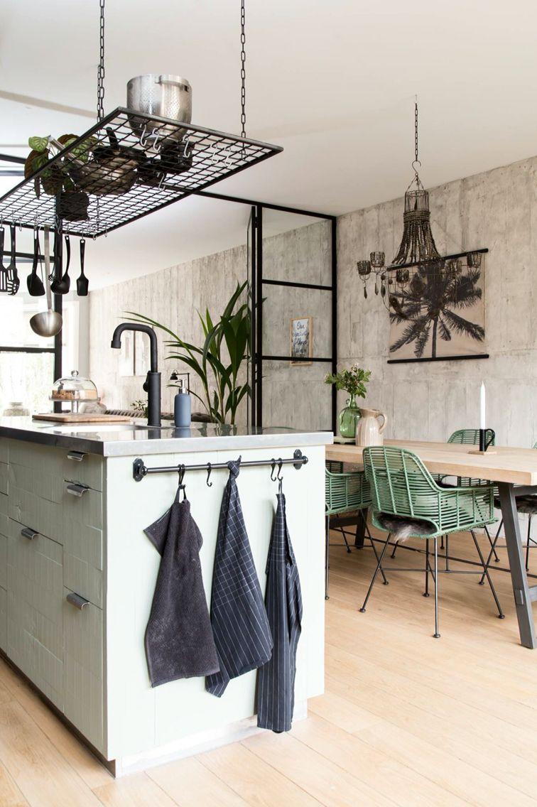 Hervorragend Küchen Insel In Mintgrün Im Esszimmer Im Vintage Industrie Look