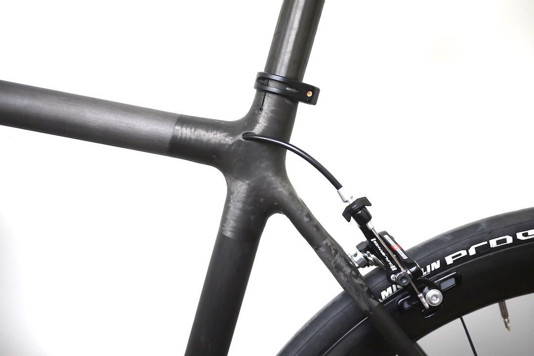 Internal Cable Routing Mountain Bike