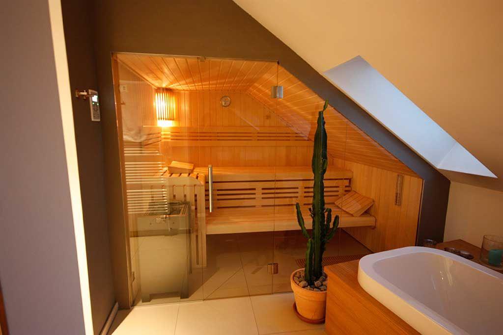 Photo of Sauna unter einer Dachschräge