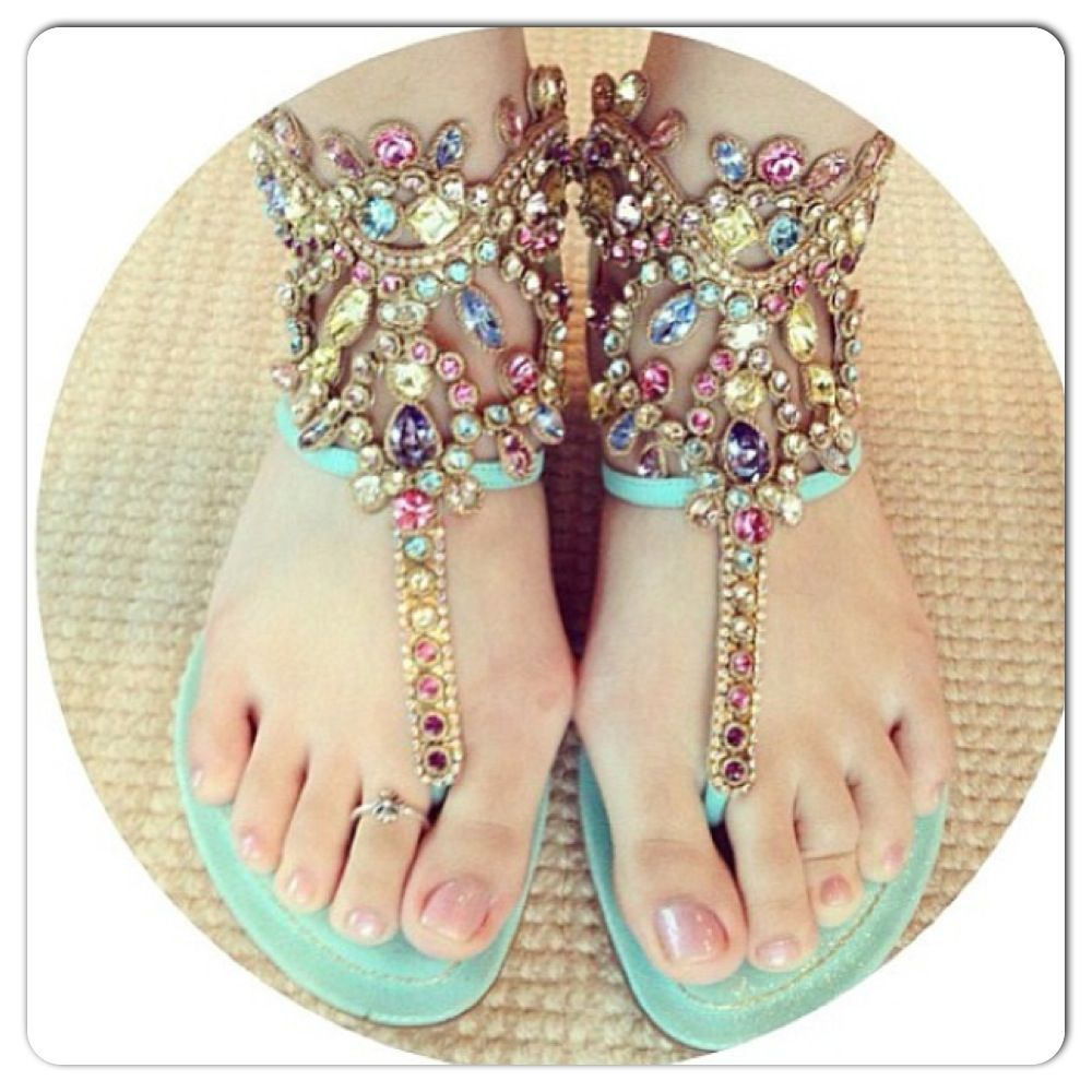 2cf5c8adce6a Pretty sandals! Great for summer parties!