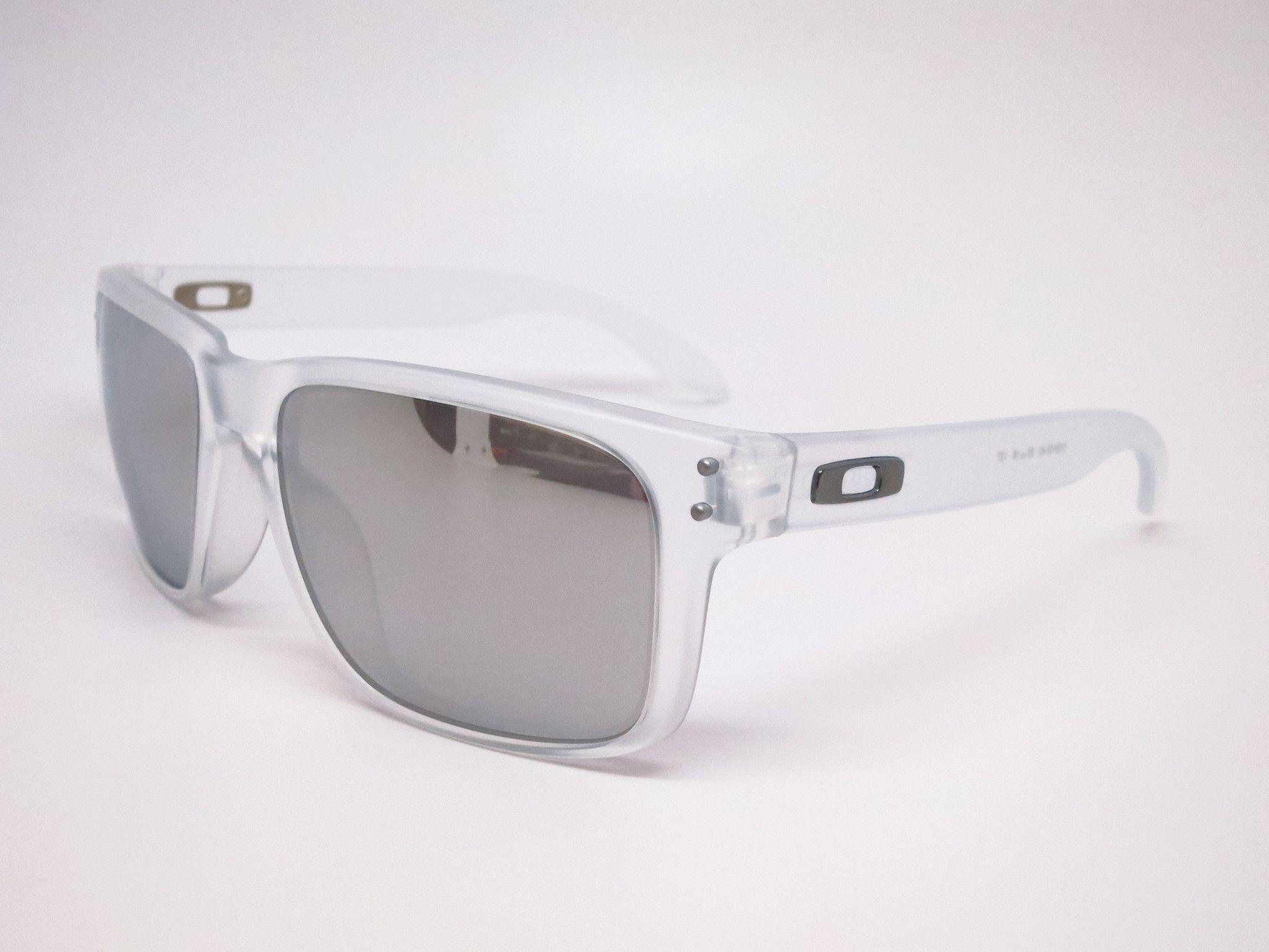 d64e8f394d Oakley Holbrook OO9102-A2 Matte Clear Sunglasses