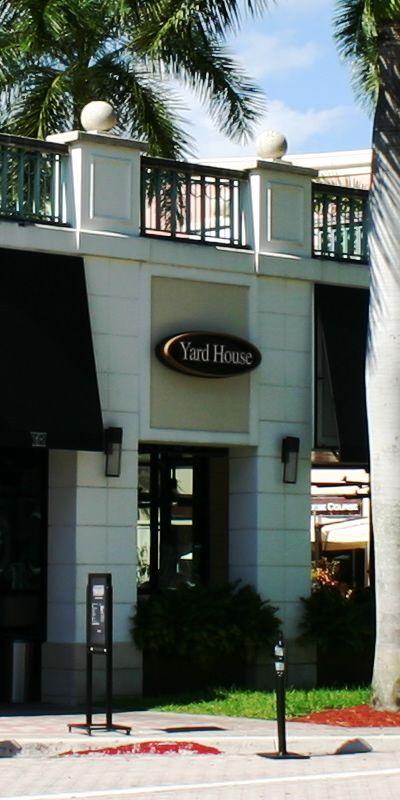 The Yardhouse In Mizner Park In The Waterfront City Of Boca Raton In Gorgeous South Florida Bocaraton Bo Boca Raton Real Estate Real Estate Waterfront Homes