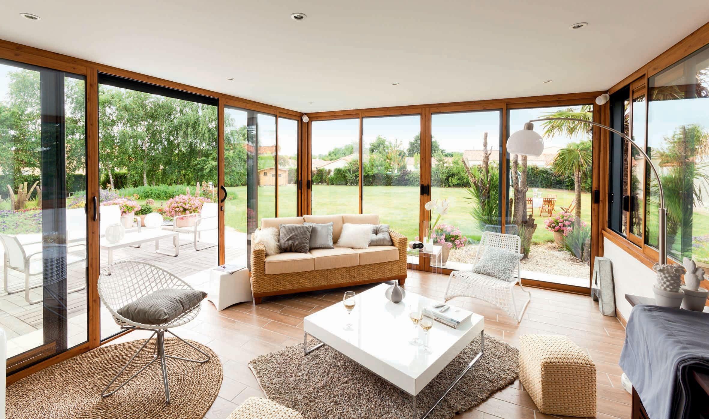 une v randa naturelle et confortable salon pinterest outdoor rooms verandas and home decor. Black Bedroom Furniture Sets. Home Design Ideas