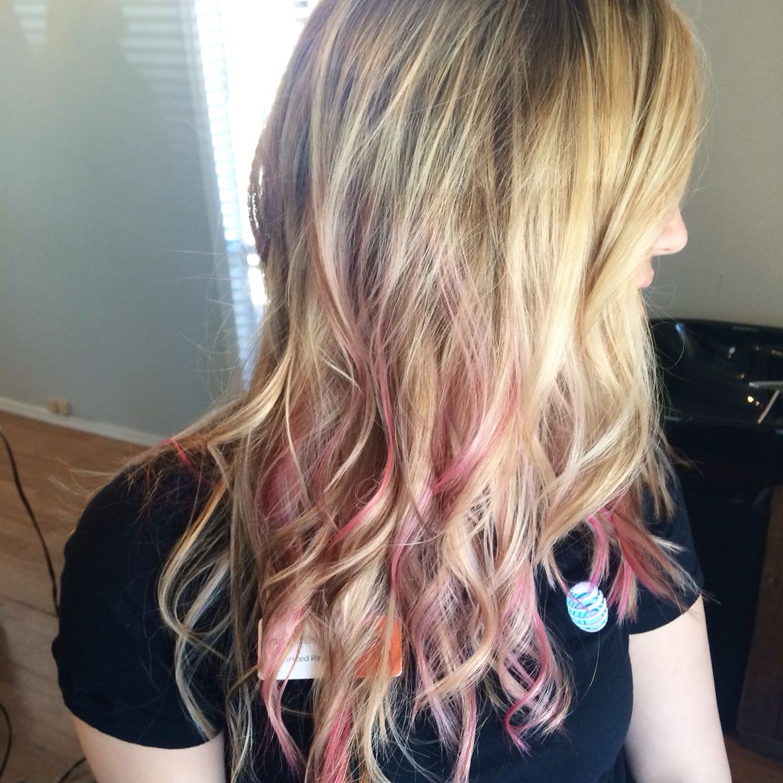What You Should Wear To Blonde Hair With Pink Highlights Blonde