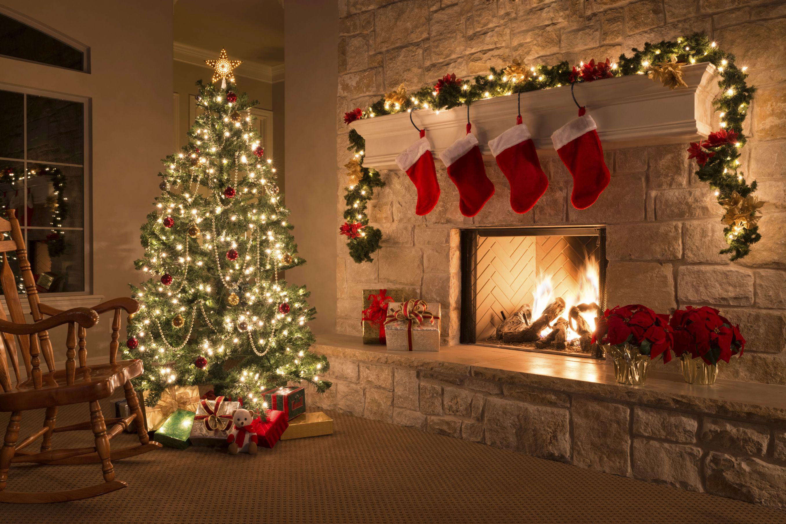 Pin By Maria Fechter On Winter Wonderland Background Christmas Fireplace Christmas Wall Decor Christmas Spirit