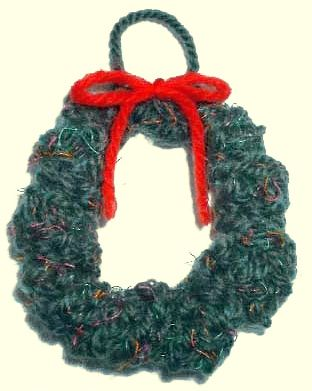 Free Knitting Patterns Mens Jumpers : Knitted Christmas Wreath Ornament Pattern Holiday- Christmas Pinterest ...