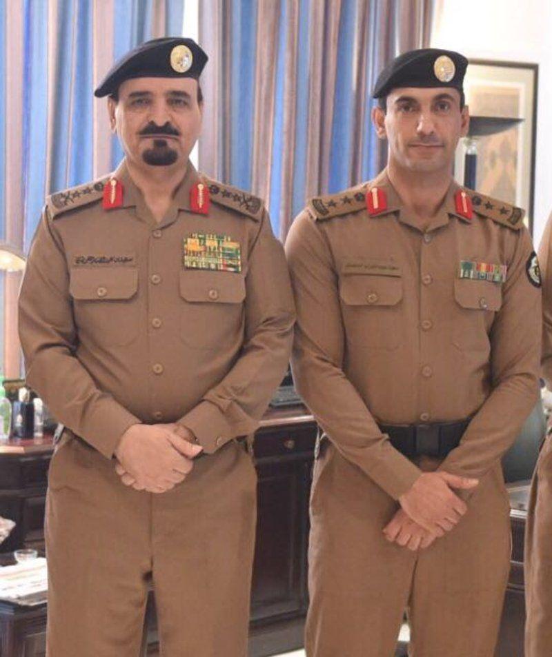 الفريق أول سعيد القحطاني يقلد سعود الدهمش رتبة عقيد Http Mnaspat Com 4699 مناسبات Jackets Fashion Military Jacket