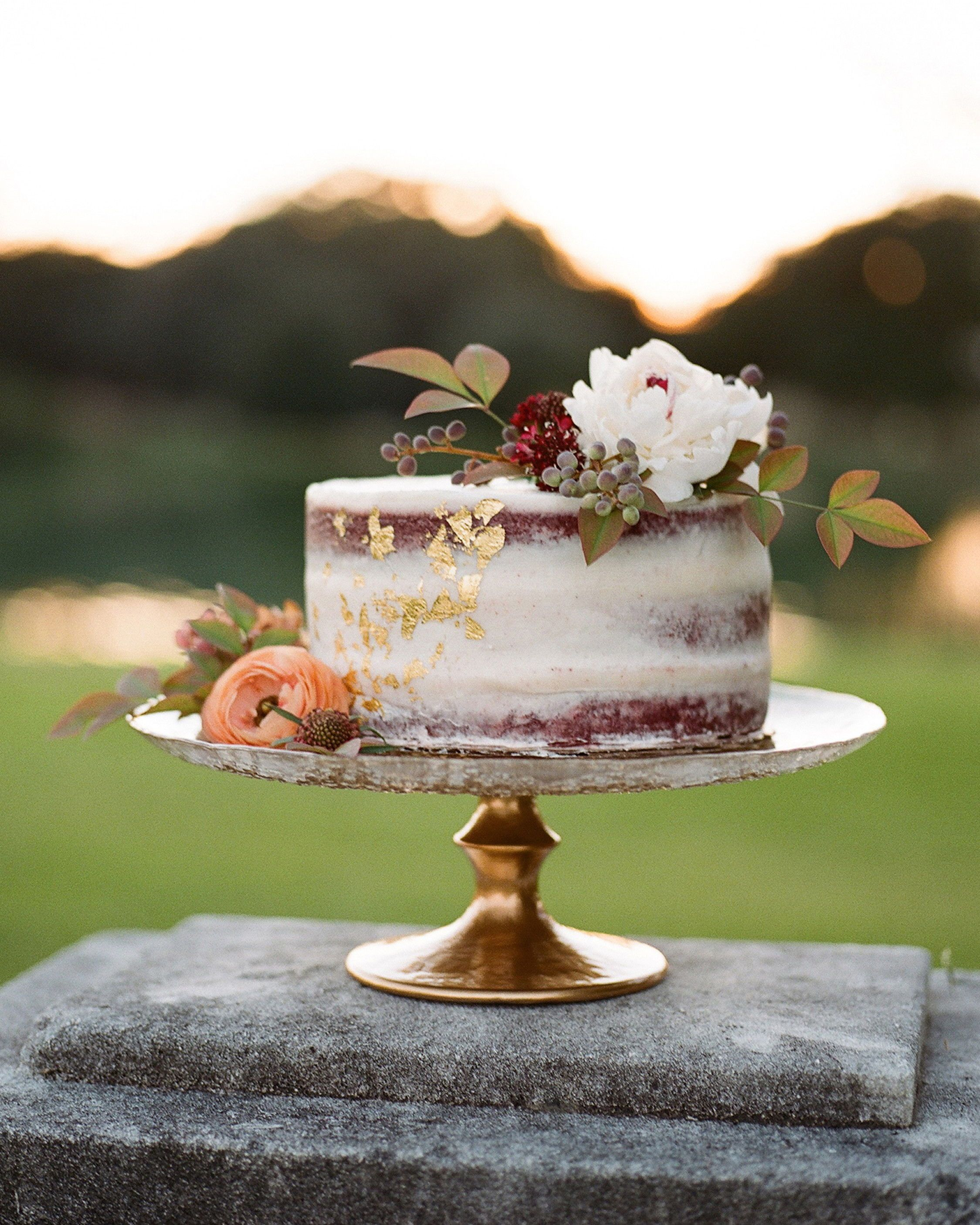 22 Unique Ideas For Your Fall Engagement Party Small Wedding Cakes Simple Wedding Cake Wedding Cake Rustic