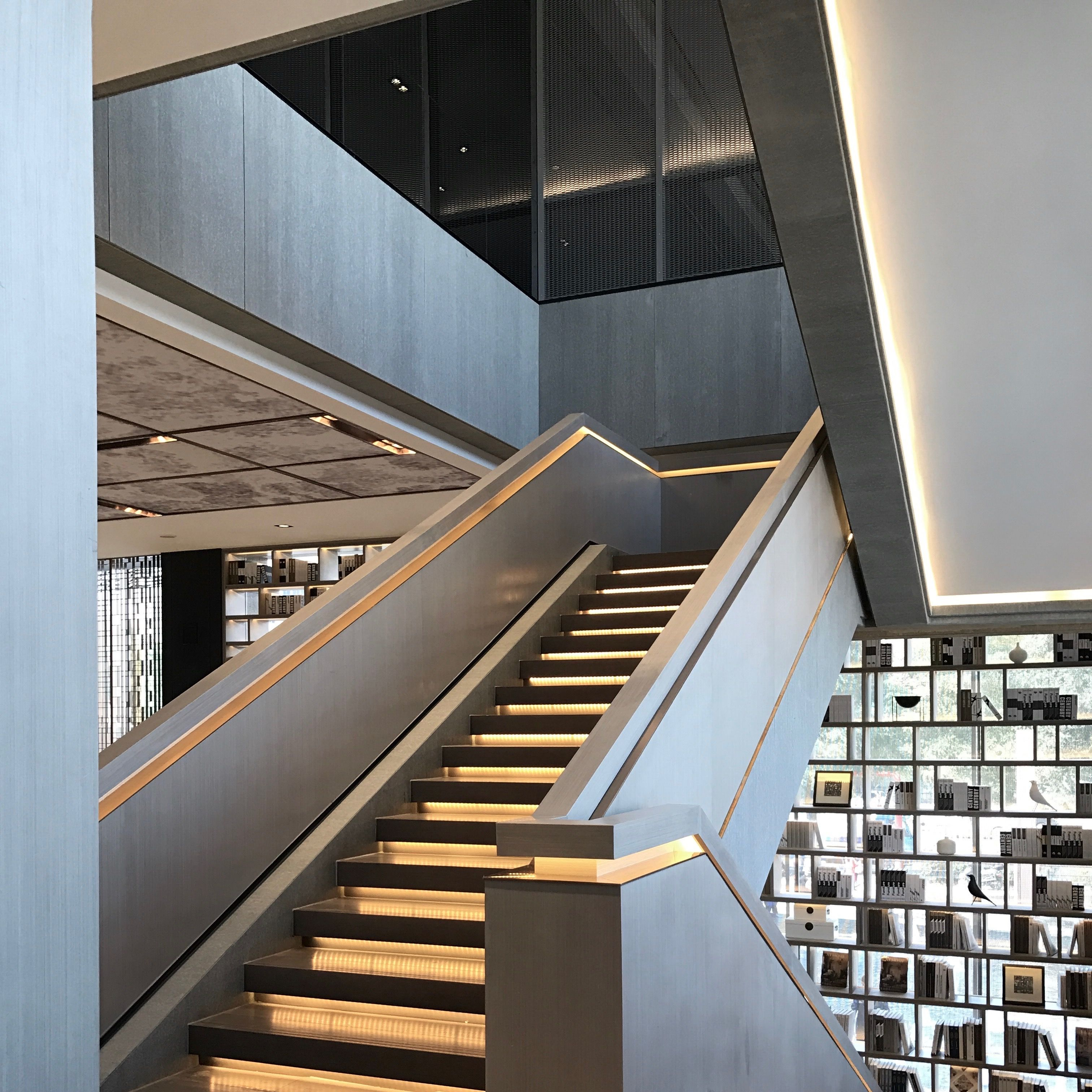 Stunning Staircase And Elevator Design Ideas: Pin By Idmen.cn On Idmen Liu In 2019