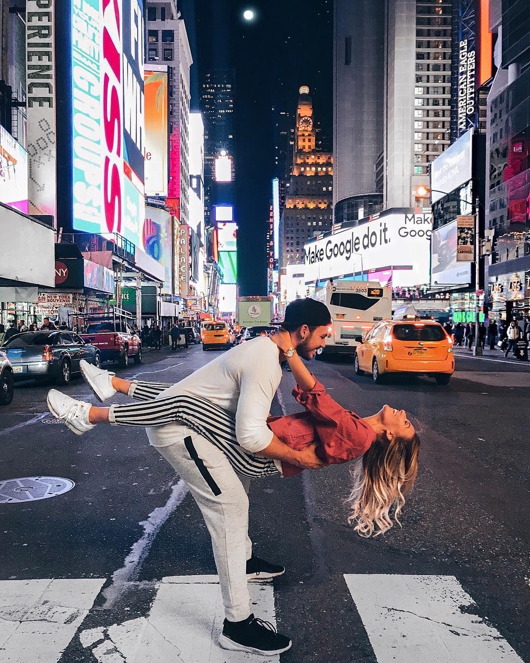 AnaJohson and TimBlack exploring - New York