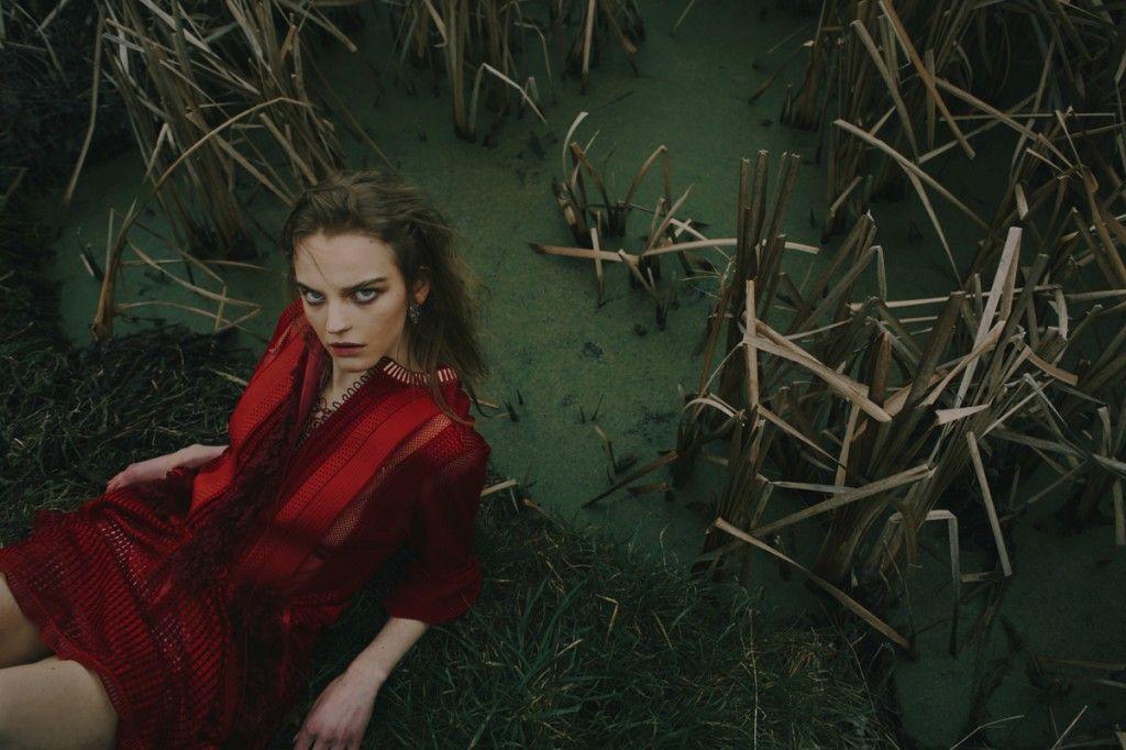 Photographer: Fanny Latour-Lambert for WSchupfer.com. Stylist: Francesca Turner at Francesca-Turner.com. Model: Grace Plowden for Models1.co.uk, London. Ha