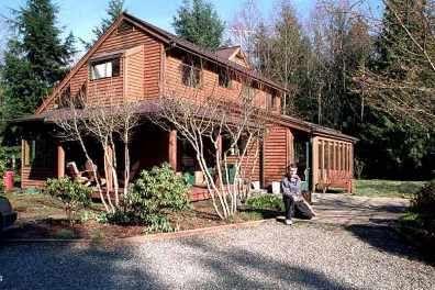 Saltbox style house characteristics