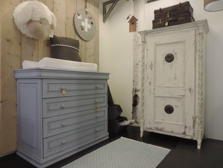 Witte Commode Slaapkamer : Geweldige witte spekkast gestyled met een doorgeschuurde