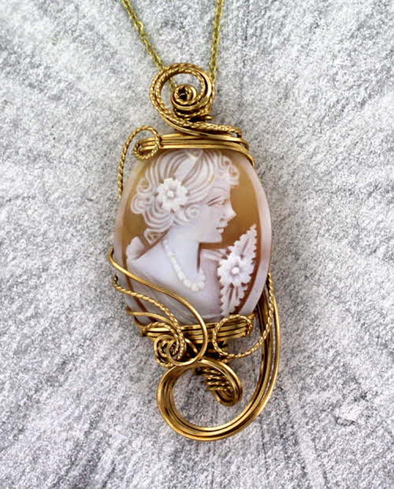 14KT Rolled Gold  Setting Wire Wrapped Necklace Antique Diamond Shell Cameo