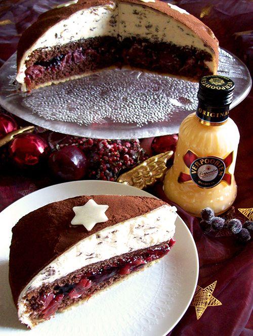 festliche Schoko-Kirsch-Weihnachtstorte mit Verpoorten Original - Kuchenrezepte mit Eierlikör