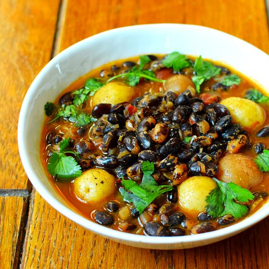 Black Bean Curry With Potatoes Vegetarian Indian Rancho Gordo Vegan Gluten Free Beans Curry Indian Food Recipes Vegetarian Bean Recipes