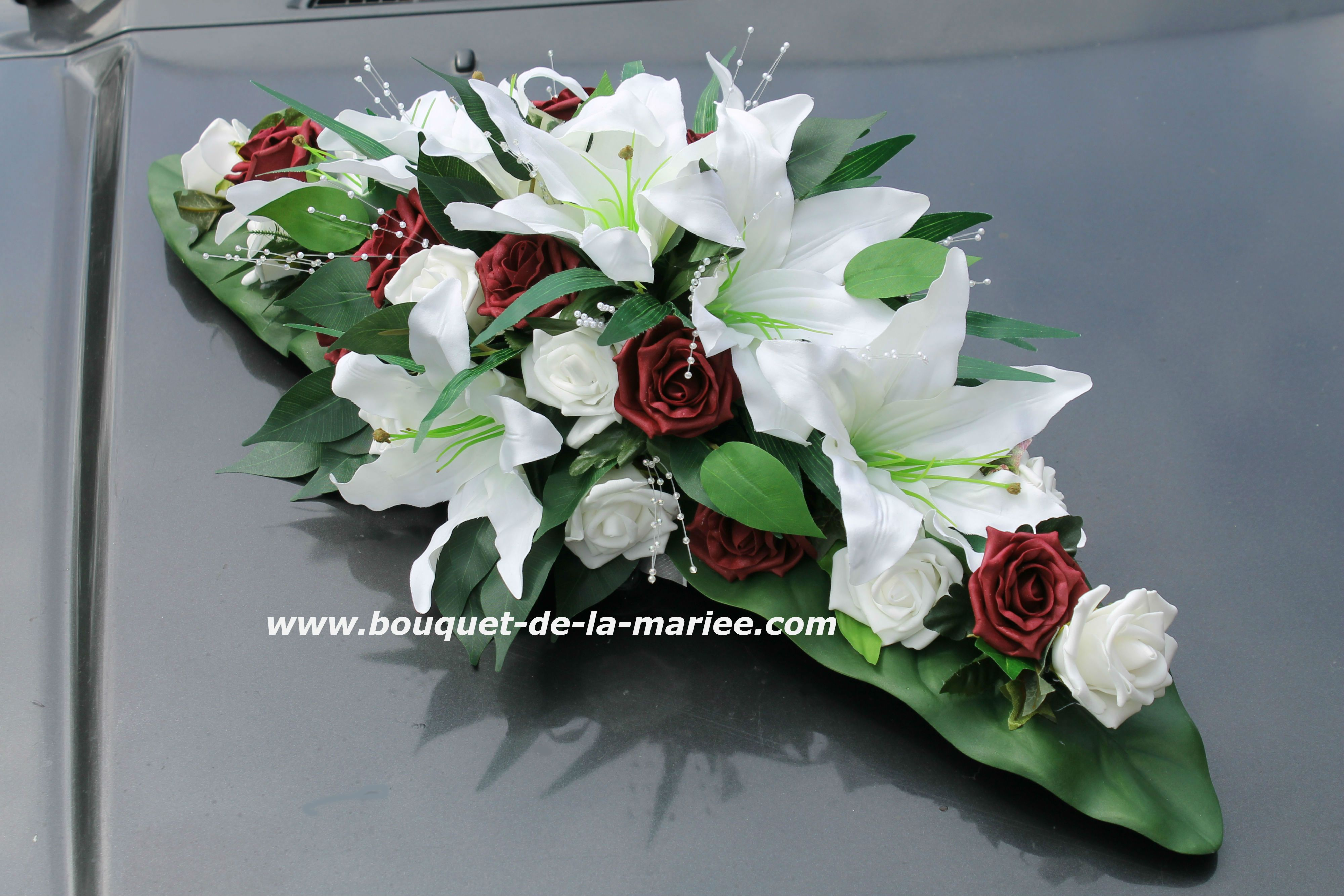 composition florale pour voiture de mariage décoration de voiture