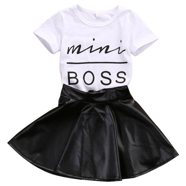 06f346cb3 2017 Nova Moda Da Menina Da Criança Crianças Roupas Definida Verão de Manga  Curta mini t-shirt tops + saia de couro boss 2 pcs outfit terno criança