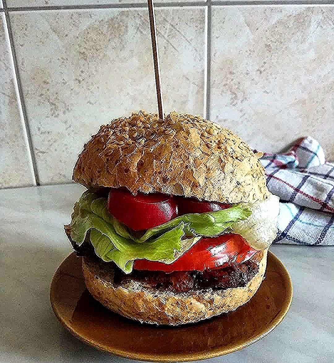 A może burgera z grillowanym kurczakiem ? 🍔🥗 #fitburger#kurczakburger#kanapka#pomysłnaśniadanie#lunch#zdrowejedzenie#zdrowonieznaczynudno#dieta#dietetyka#warzywa#balans#motywacja#lifestyle#foodphotography#foodlover#food#vegetables#motivation#diet#happylife#positivevibes#
