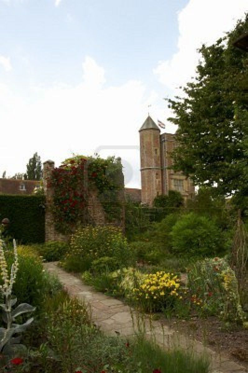 A herbaceous border in an English cottage garden - Sissinghurst ...