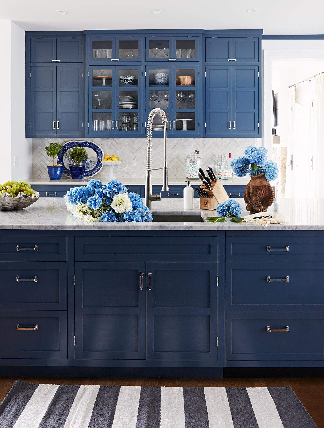 experts say these kitchen trends will be everywhere in 2020 in 2020 dark blue kitchens on kitchen interior trend 2020 id=71854