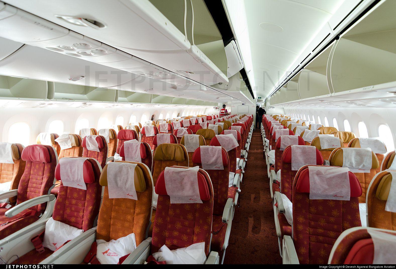 Airindiain economy class on boeing 787 8 dreamliner vt for Cabine in delhi la