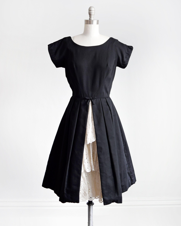 Vintage 50s Dress 1950s Black Dress W White Ruffled Peekaboo Etsy Vintage Dresses 50s 1950s Black Dress Dresses [ 3000 x 2400 Pixel ]