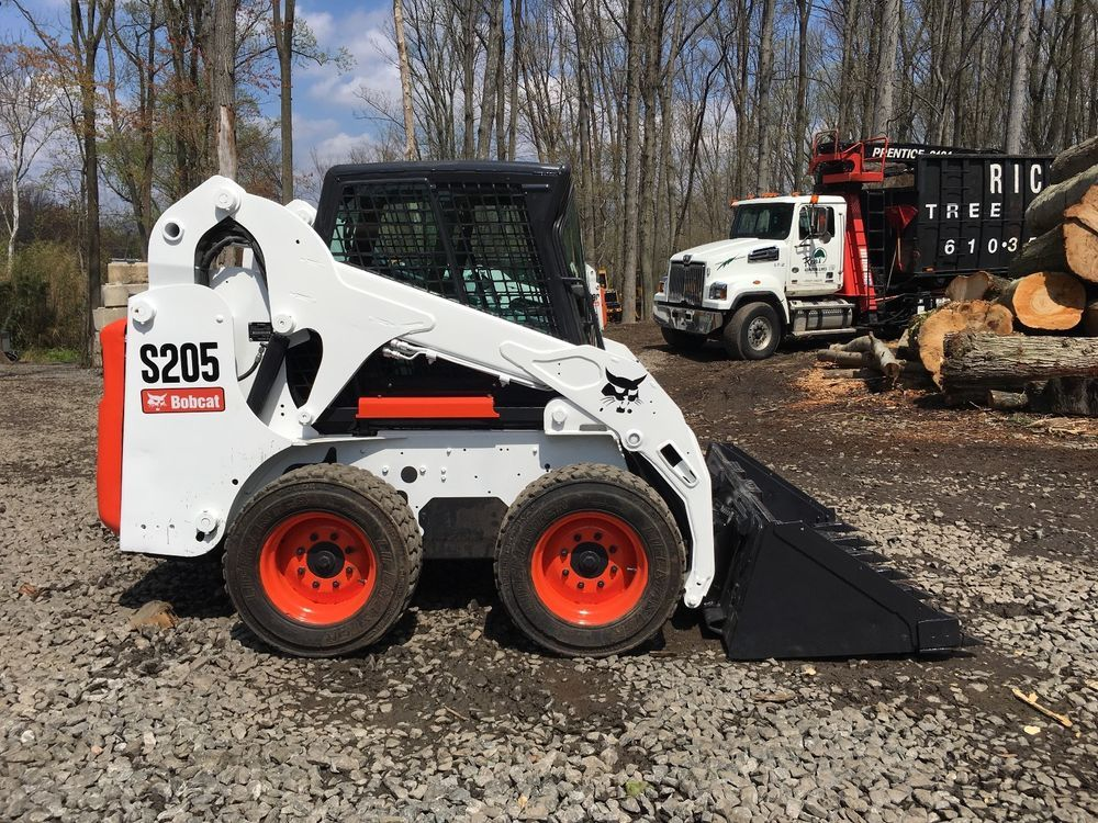 2012 Bobcat S205 2012 Bobcat S205 With Only 652 Hours Enclosed Cab Machine With Heat And Air Conditioning Super L Bobcat Skid Steer Loader Bobcat Equipment