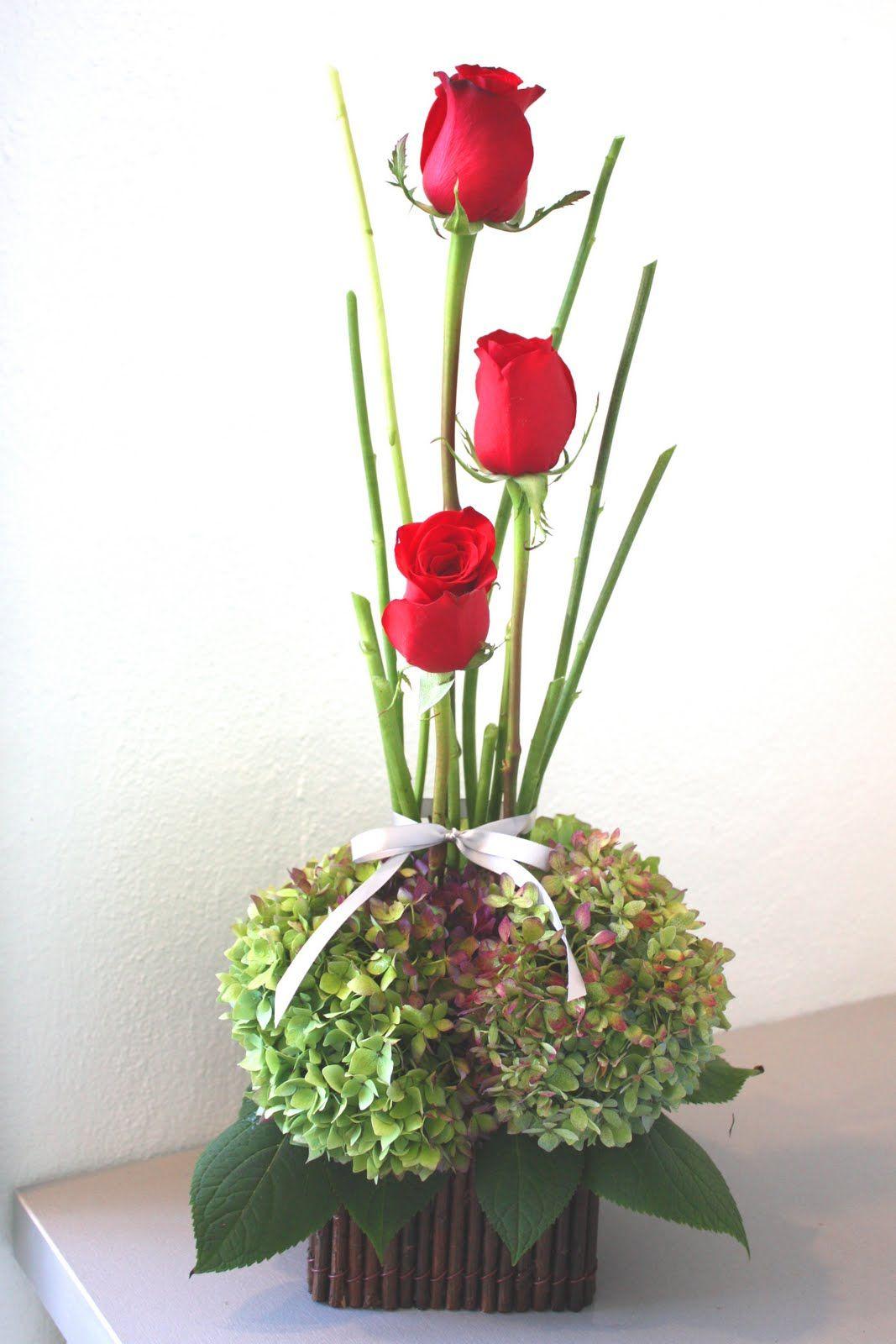 Red Roses Green Hydrangeas Green Hydrangea Flower Gift Flower