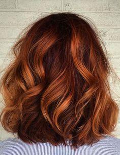 Balayage cuivré cheveux courts - Balayage cuivré : le reflet chaud à adopter cette saison - Elle #blondeombre