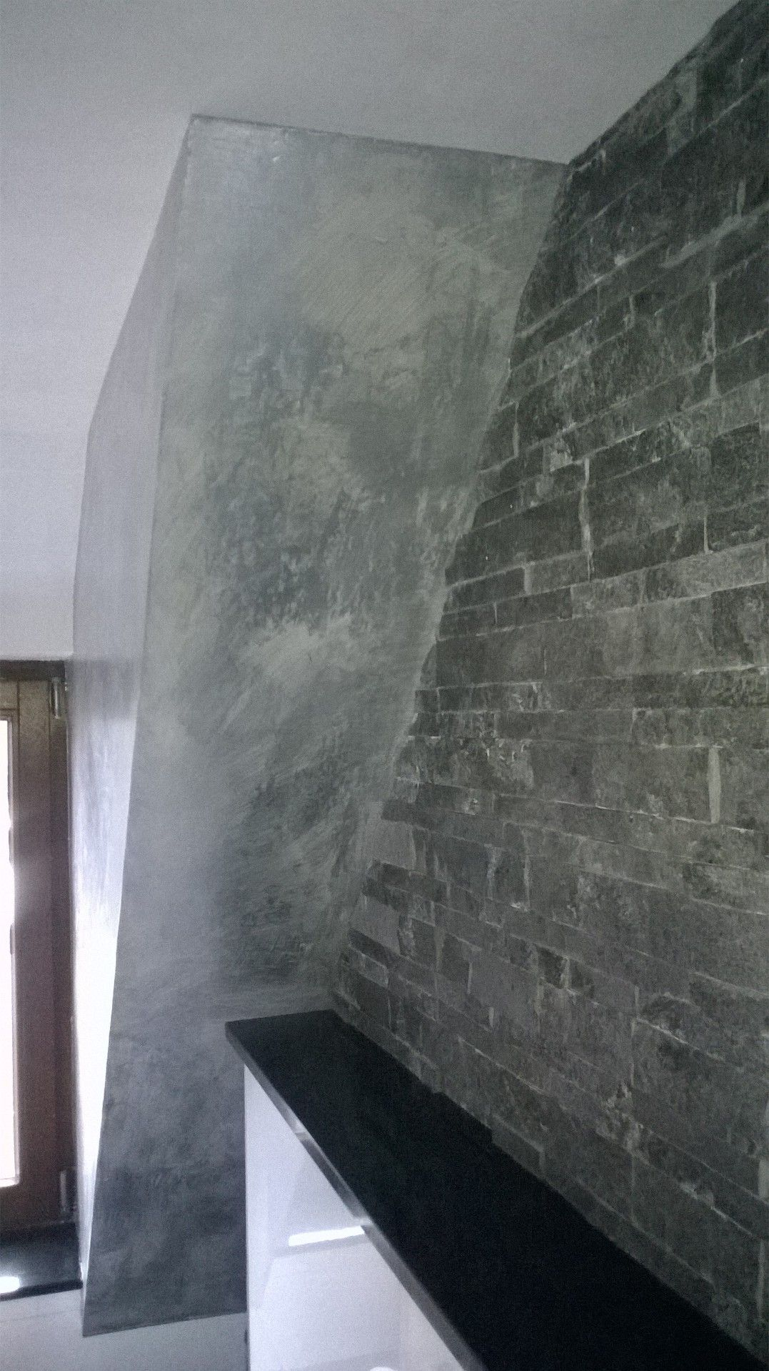 Badgestaltung eine wand in betonlook mit silberlasur veredelt volimea wandbeschichtung made - Spachteltechnik wand ...